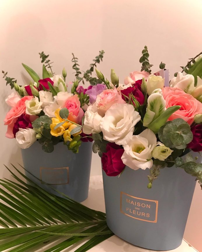 Цветочная композиция Maison голубая в элегантной коробке