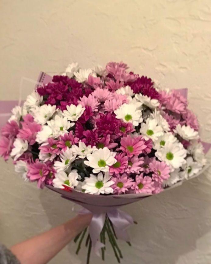 Шикарный букет кустовой хризантемы