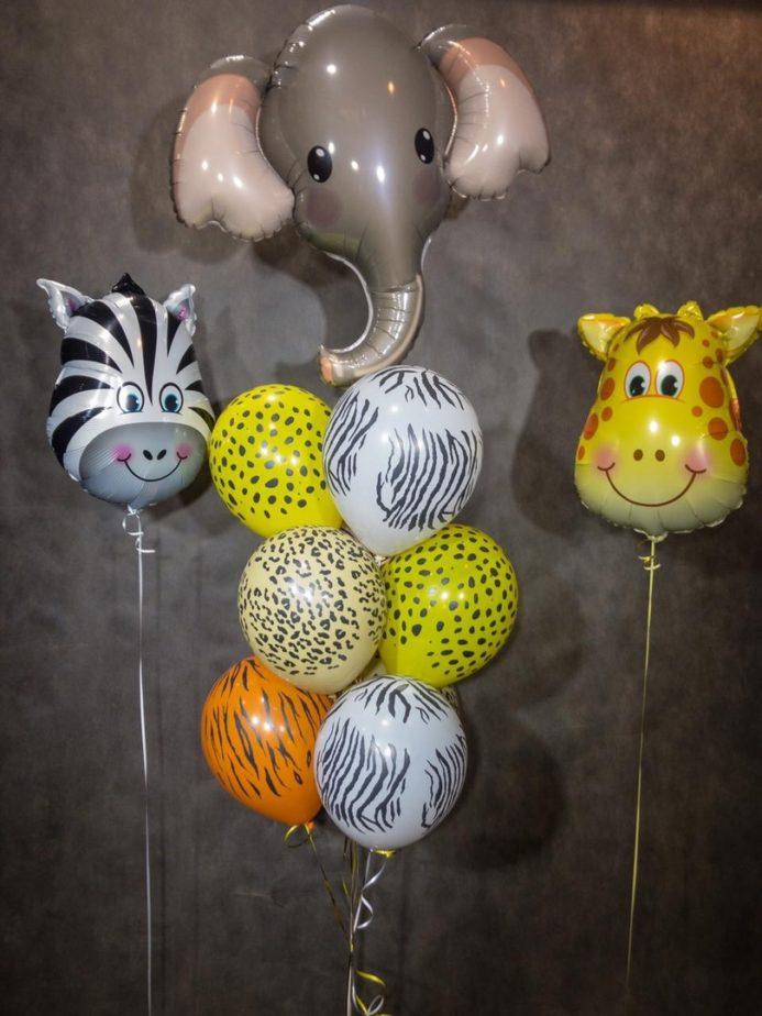 Фонтан из воздушных шаров В Африке