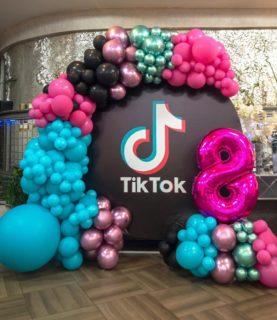 Фотозона в стиле Tik-Tok