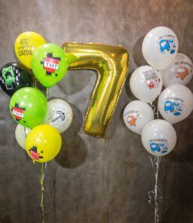 Фонтан из шаров в стилистике майнкрафт с цифрой