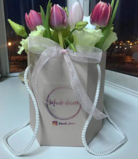Нежная и воздушная композиция из тюльпанов