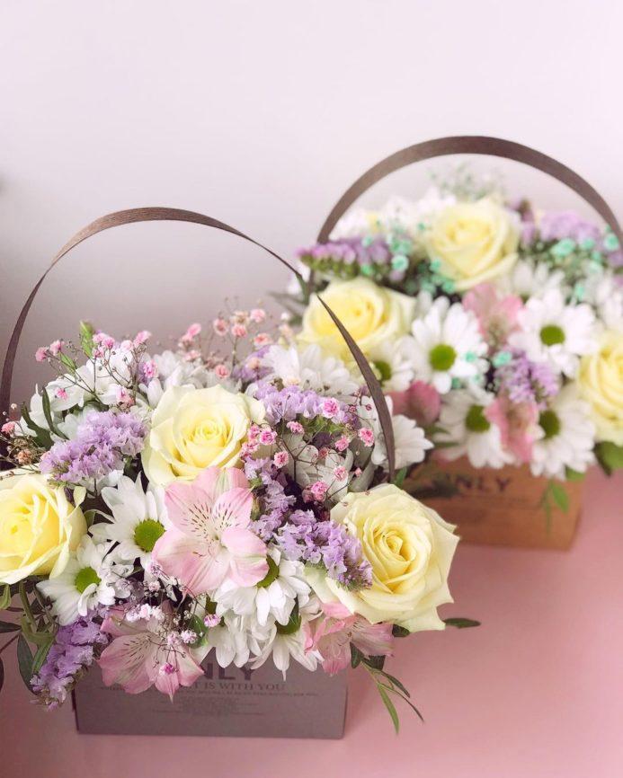 Нежнейшие коробочки цветов для любимых преподавателей