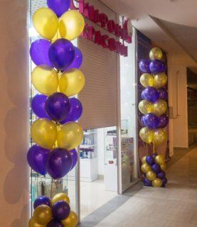Стойки из воздушных шаров для магазина
